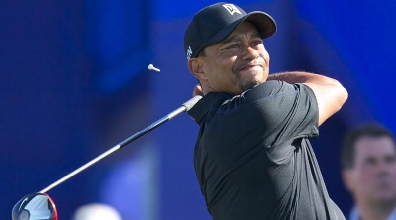 Tiger Woods hitting driver (Michael Weinstein photo)