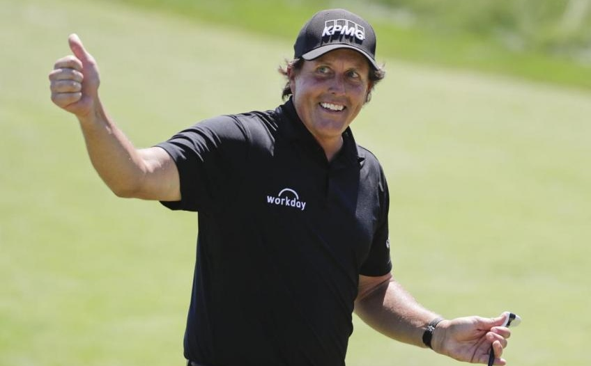 Mickelson wins Dominion Energy Charity Classic